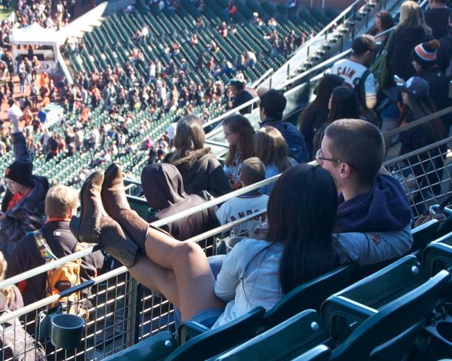 Lovers at the 2013 Giants Fan Fest