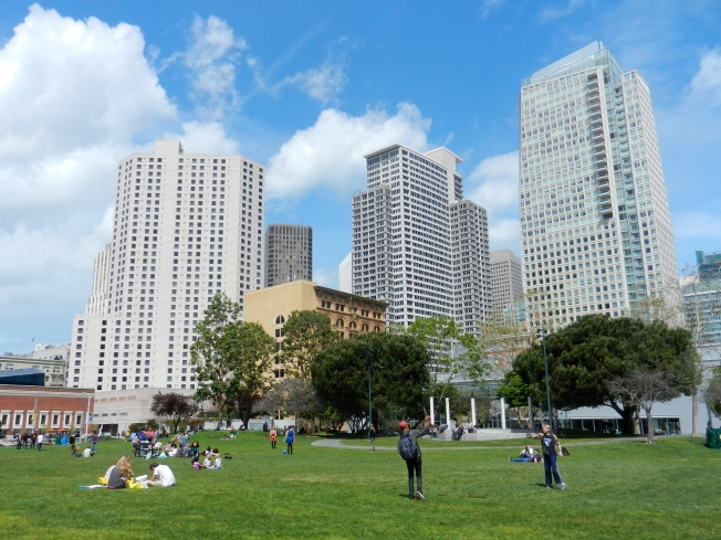Yerba Buena Park, Friday Afternoon, 28 March 2014